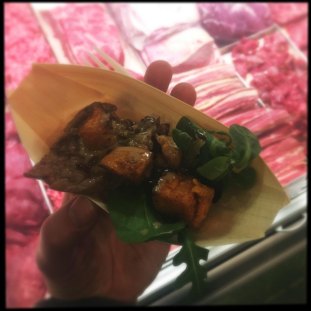 sirloin steak with peppercorn sauce